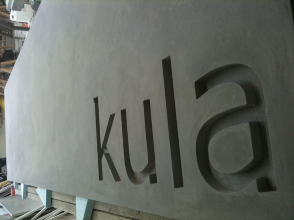 Mag's Concrete Works, concrete kula sign