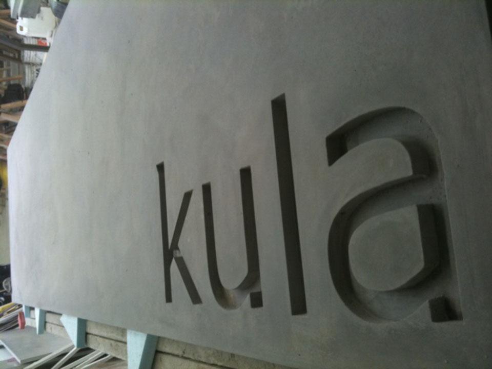 Mag's Concrete Works, concrete kula sign